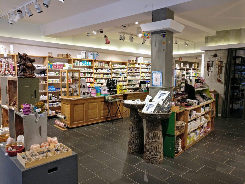 Butikslokale set fra indgang i Natur & Trivsel.